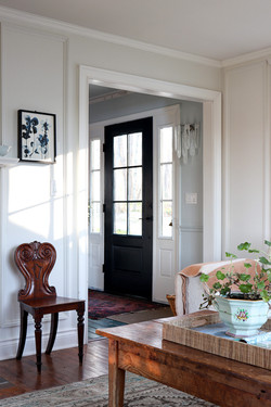 front door with sidelight is small foyer