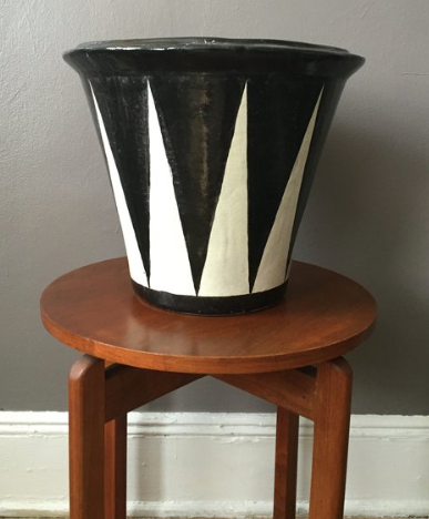 Black & white Mexican planter
