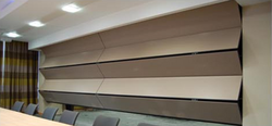 Electric dividing wall