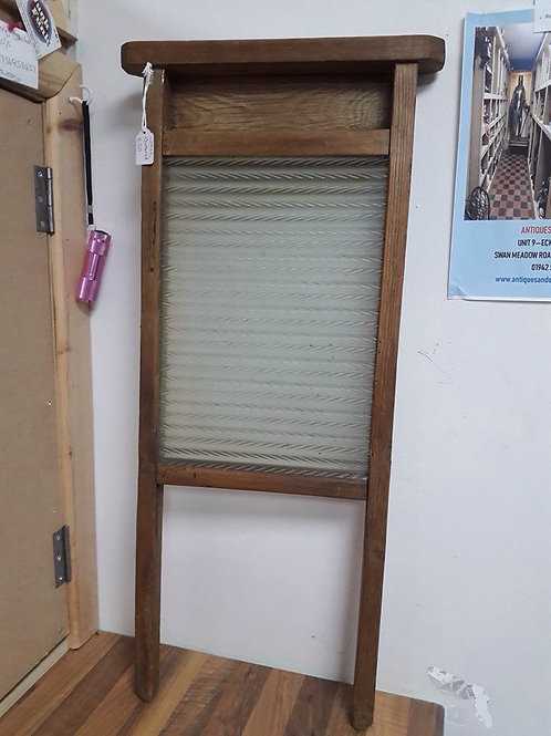 Wooden/Ribbed Glass Wash Board