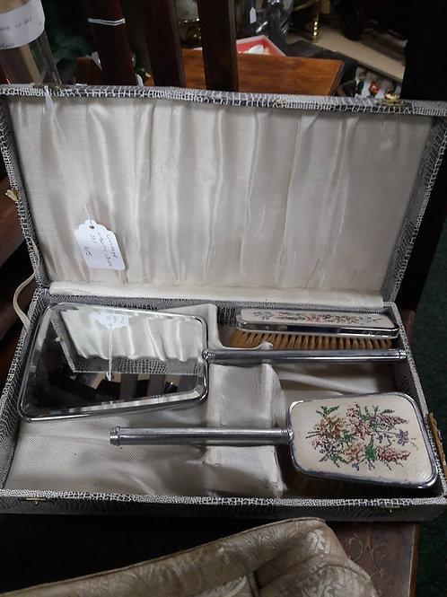 Vintage Vanity Brush Set