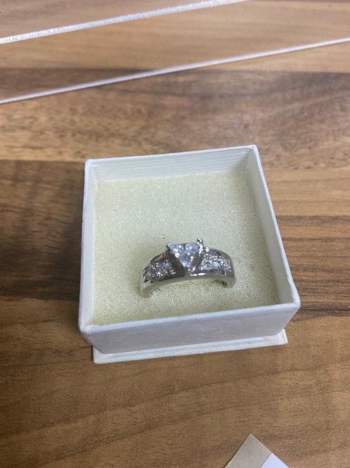 Silver C z ring