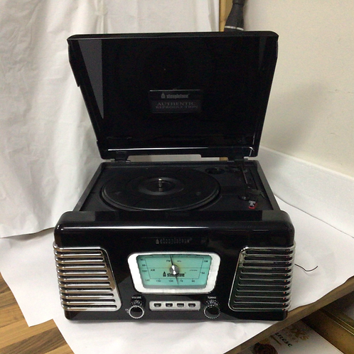 Steepletone record player