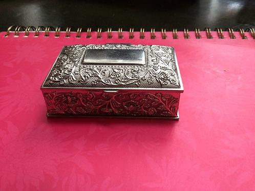 Trinket / pill box