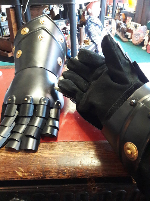 Black Metal Gauntlet Gloves