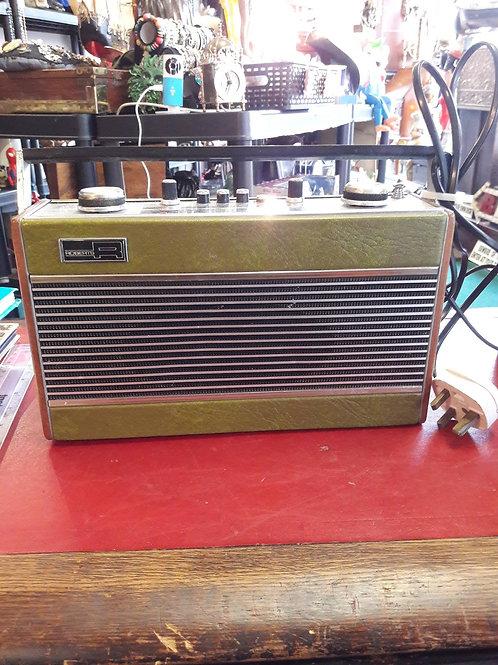 1970's Roberts radio  R606.  (working).