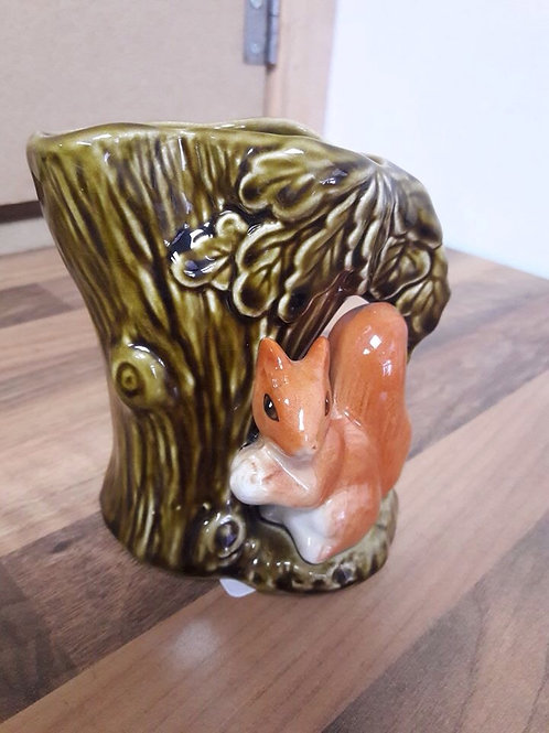 Sylvac Sqirrel Jug/Vase. No 4235