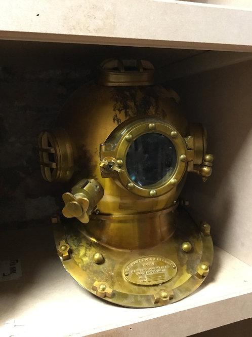 Dee sea diving helmet