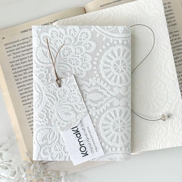 WHITE LACE &POWDER GLITTER  BOOK COVER