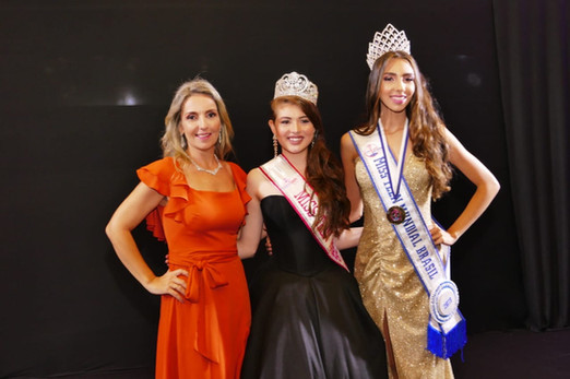 Coordenadoras Cleide e Beatriz Ornela ao lado da Miss Teen Pará 2019