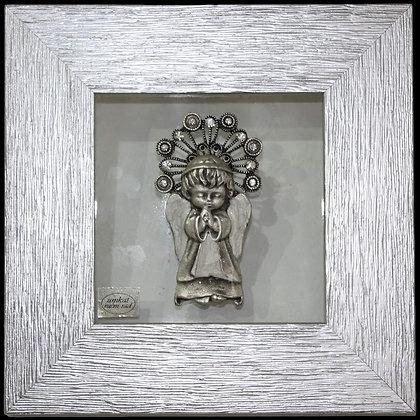 Anđeo u Molitvi u Srebrnom Okviru