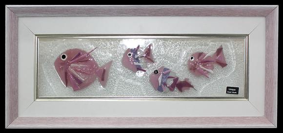 Roze Ribe u Rozom Okviru