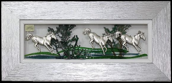 Konji u Srebrnom Okviru