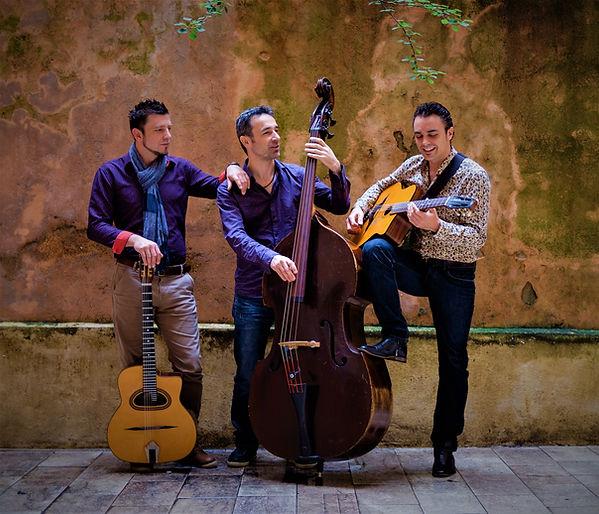 Dacutsa trio dans le Vieux-Lyon