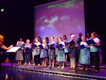 Welcome to the Cranleigh Community Choir!  A friendly and welcoming choir since 2006.