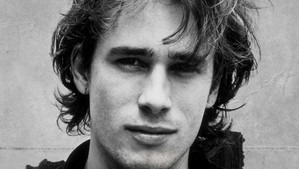 ...AND IF YOU WANT TO HEAR GOOD EXPRESSION, LISTEN TO THE AMAZING JEFF BUCKLEY....