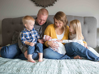 Lifestyle Newborn Session: Family of 5 . Tigard, OR