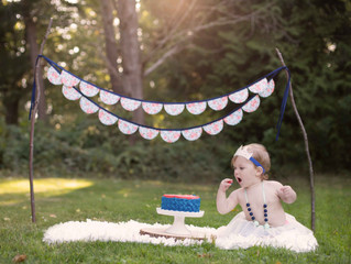 One Year Old Portraits and Outdoor Cake Smash (Part Two: The Smash) . Mukilteo, WA