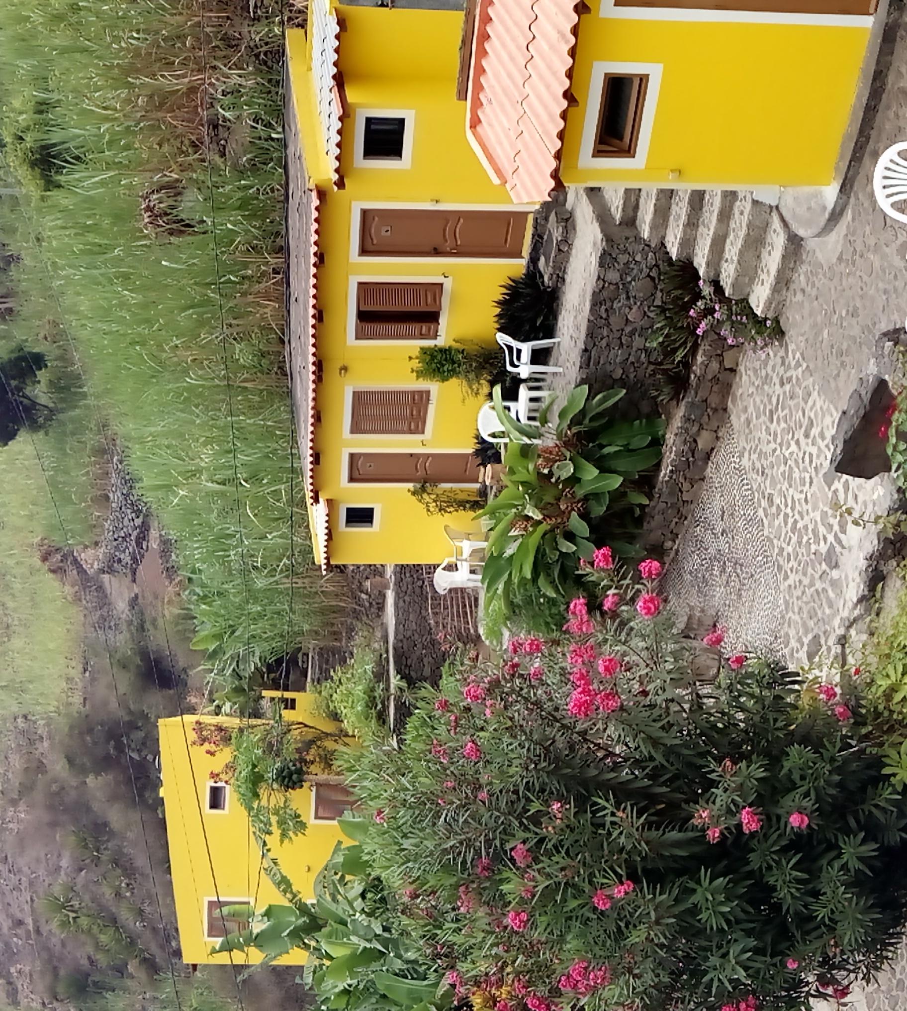 Vue San Nicolau et Maio - jardim