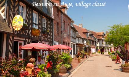 Le village de Beuvron en Auge