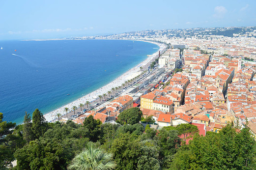 Vue sur la Baie des Anges à Nice