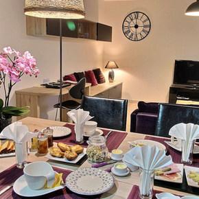 Petits-Déjeuners Les Prunelles maison d'hôtes Pupillin 3km d'Arbois