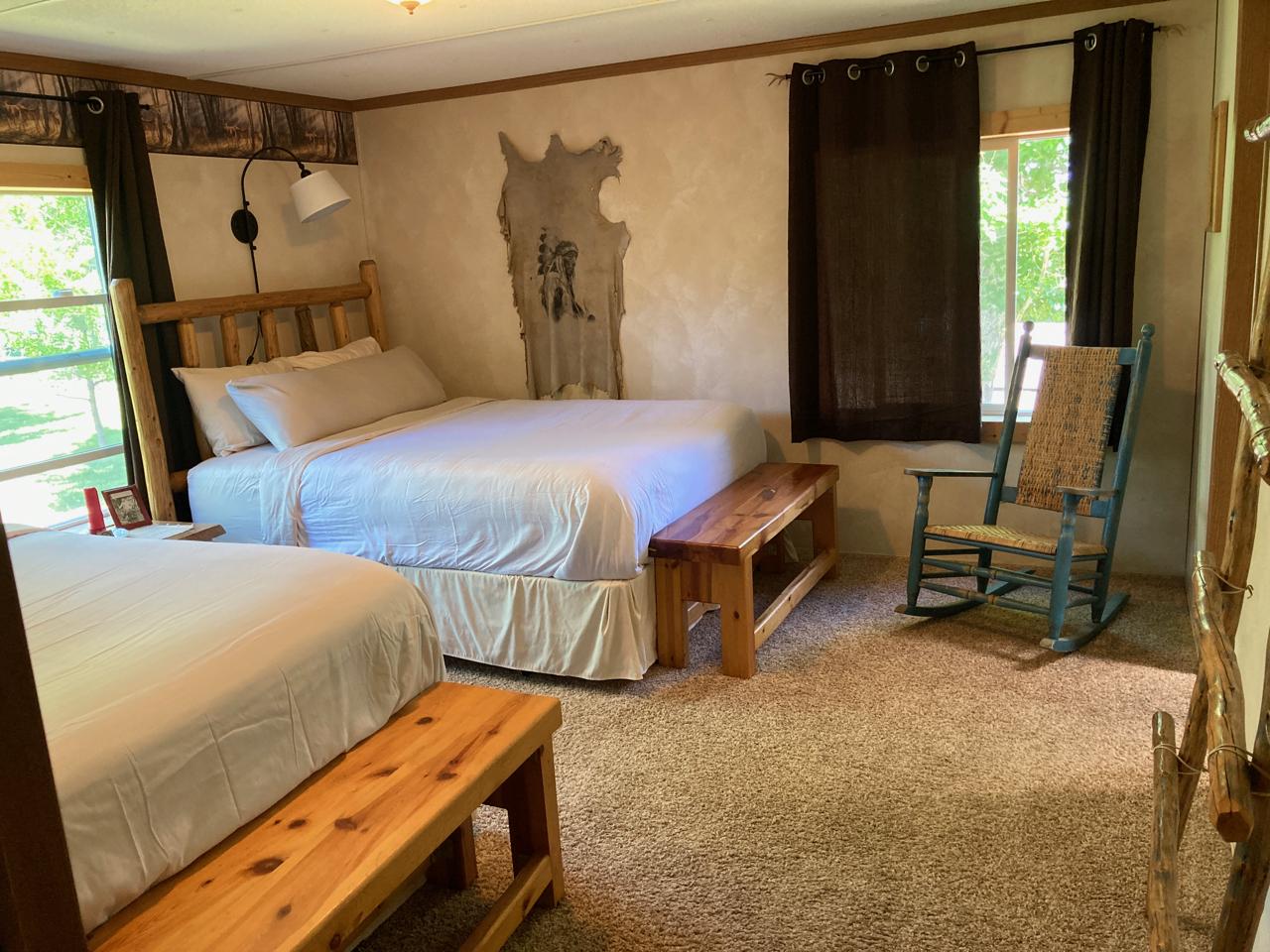 The Buckskin Room: 2 Queen Beds