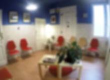 sala de espera Oapsis psicoterapia, psicologos psicoterapeutas en manuel becerra, fuente del berro, madrid, psicologos en majadahonda
