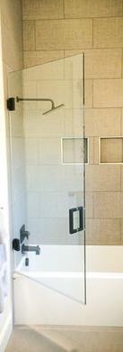 Frameless Door on Tub