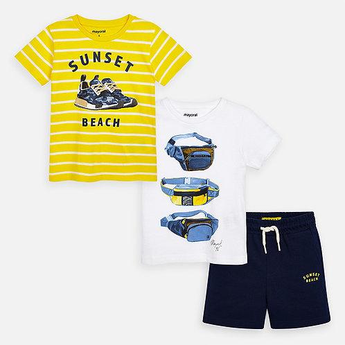 Conjunto de t-shirts estampadas e calções menino