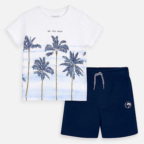 Conjunto t-shirt desenhos e bermudas menino