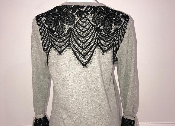 L/S Crew Neck Sweatshirt w/ black lace back & cuffs