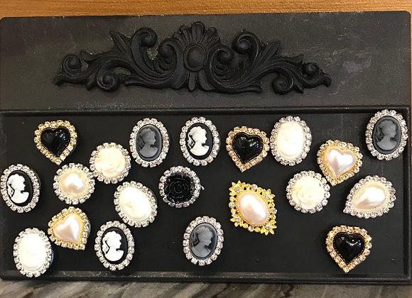 Magnet, Medium size, Rhinestone -Pearls, Cameo
