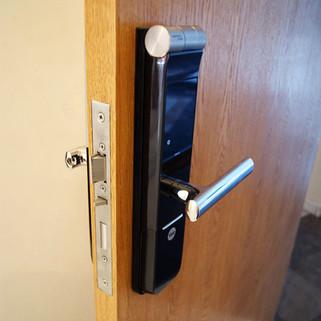 Cerradura electronica Yale
