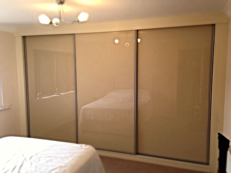 Fitted Sliding door wardrobe -Tupton
