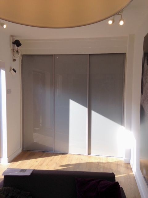 Fitted sliding wardrobe glass doors