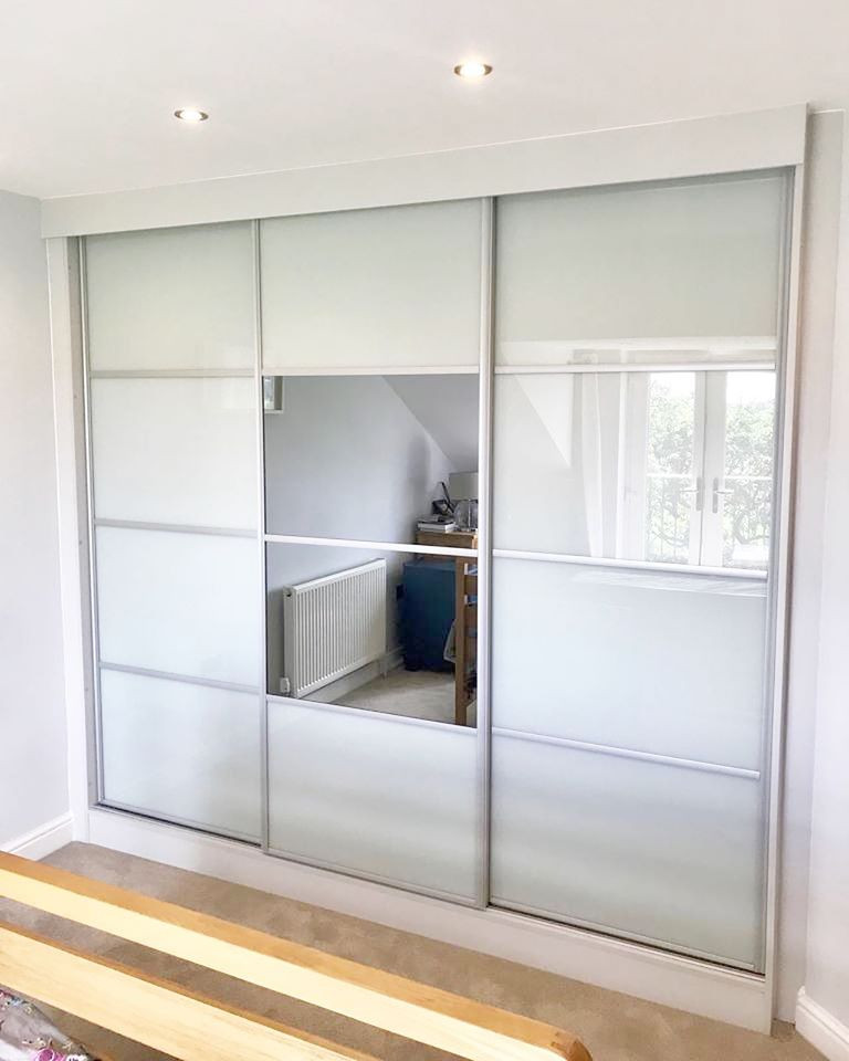 sliding wardrobe chesterfield fitted by scribe furniture, newbold road