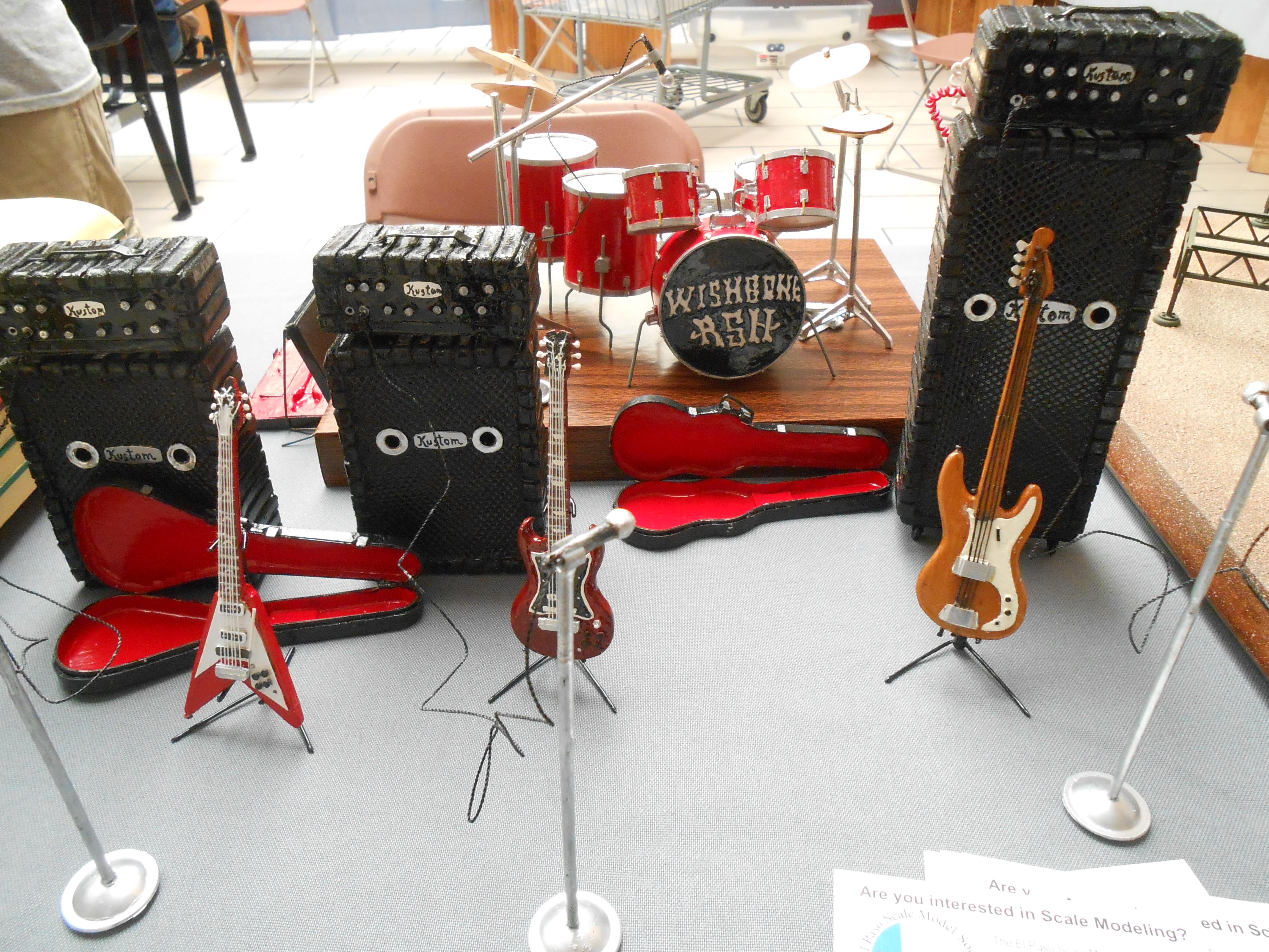 Jose C. Diaz: Scratch-built guitars