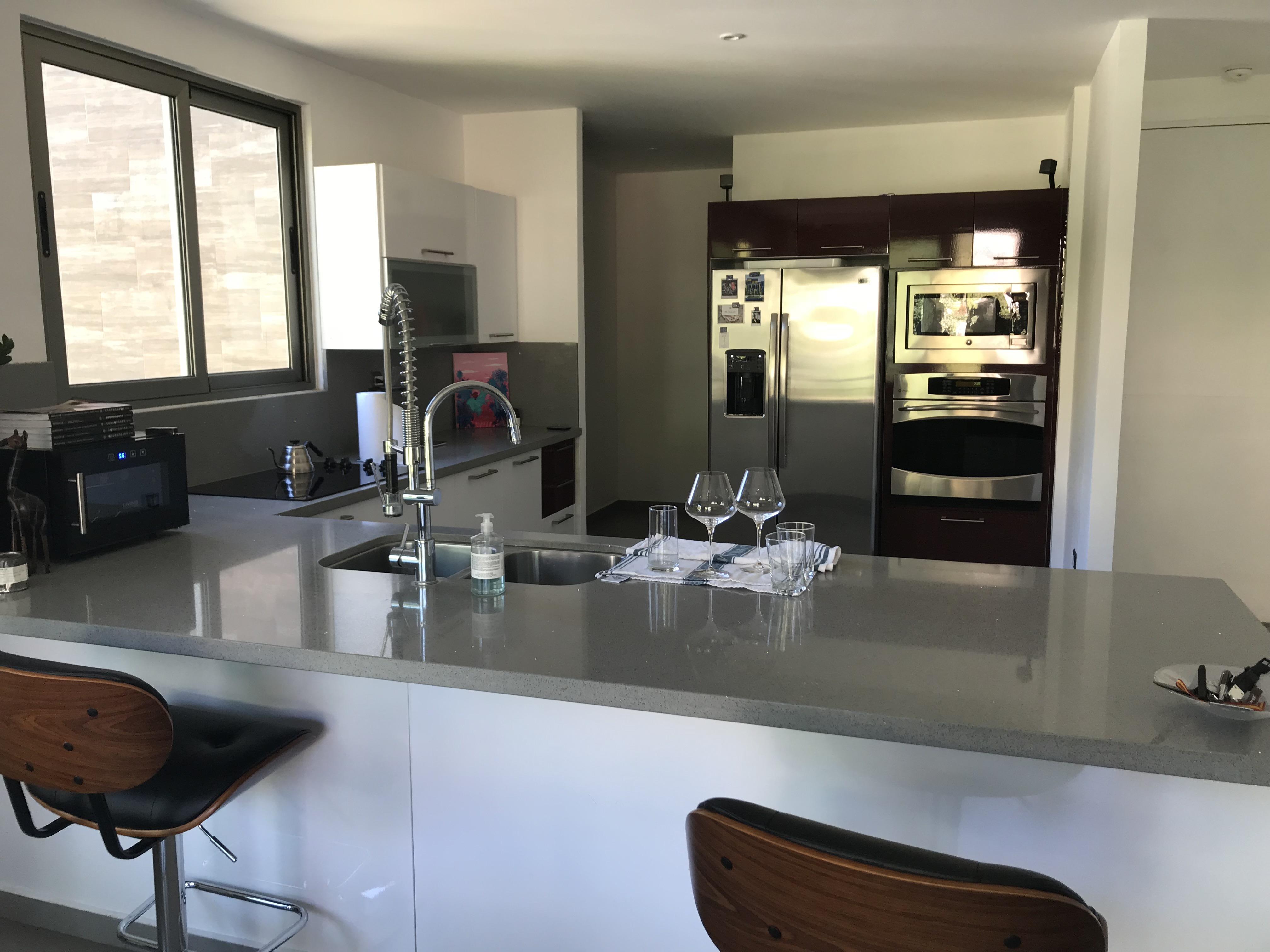 ESA0120_Apartamento_en_Venta_Para_Inversionista_Parte_Alta_Escalón_Arriba_del_luceiro_cocina