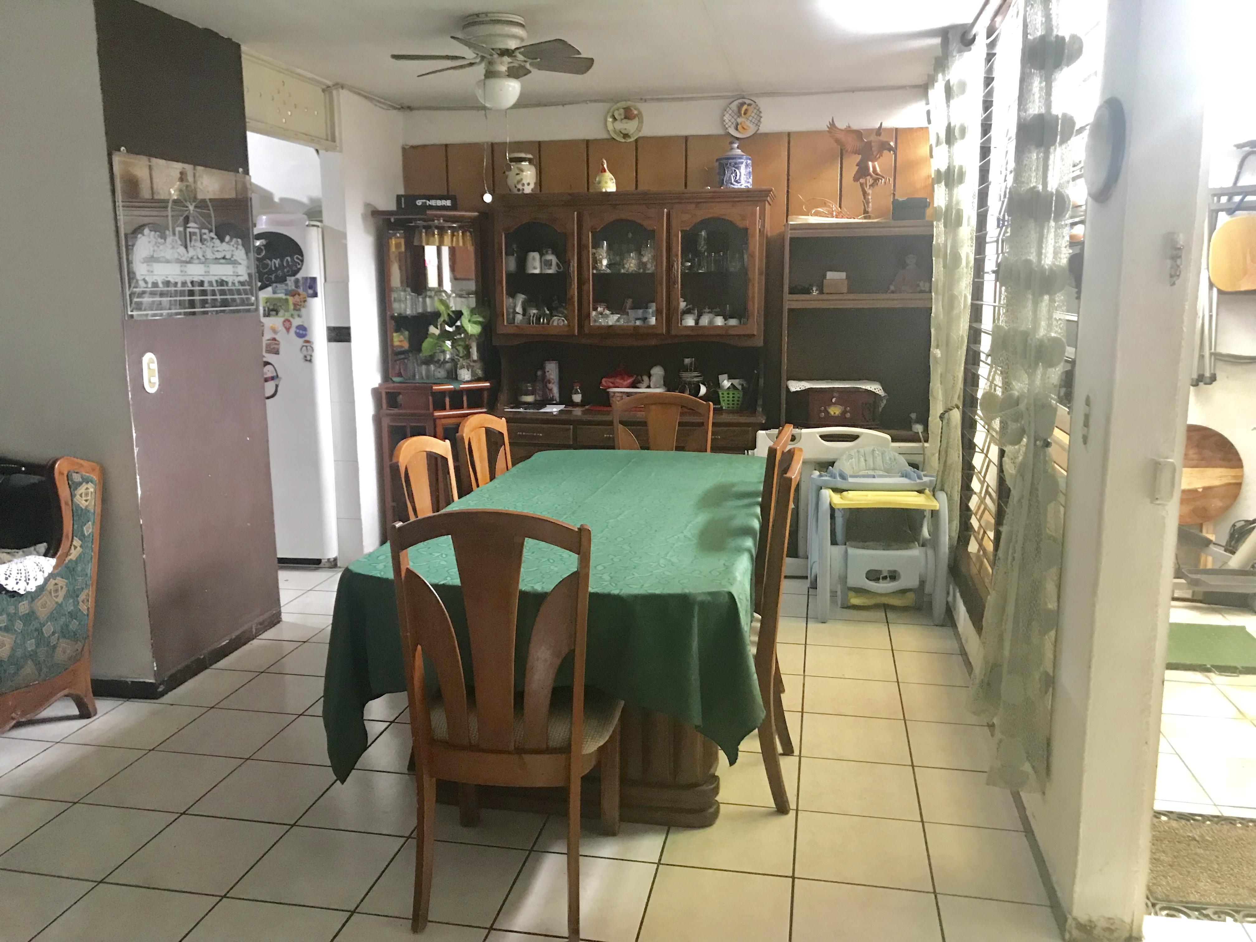 MIA0106 Casa en Venta en Privado Colonia Miramonte comedor