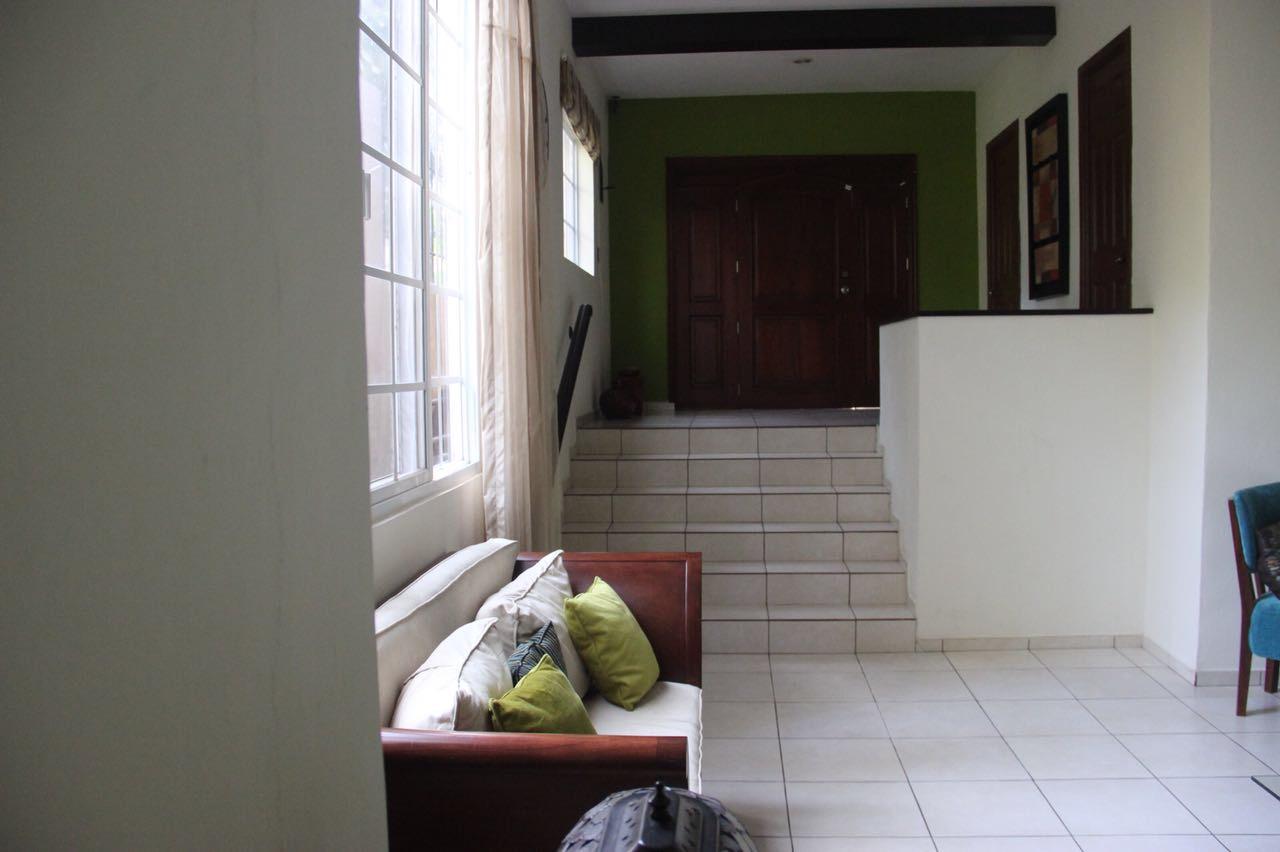 Casa Los Manantiales entrada