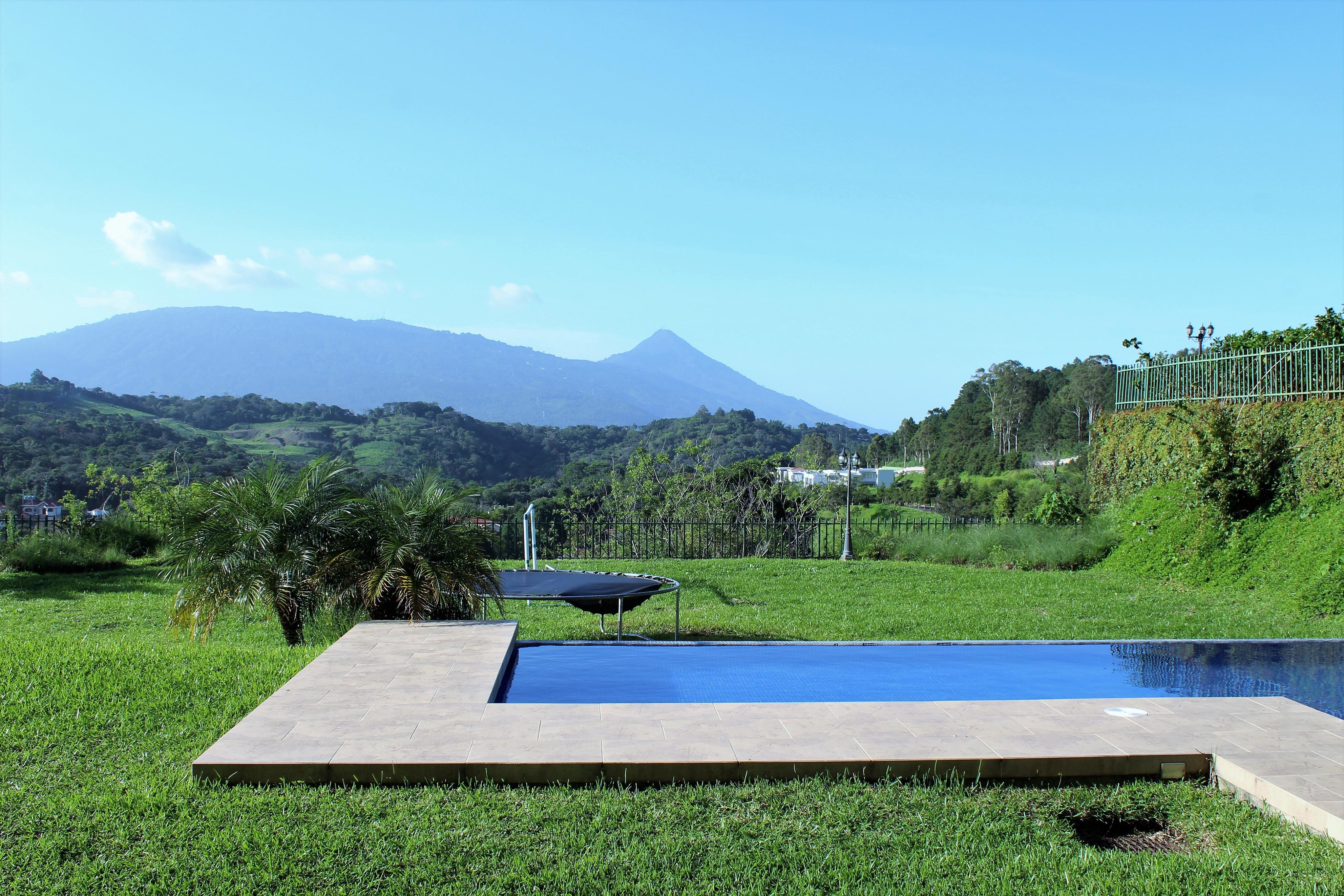 CPTCR0112 Casa en Venta Alturas de Tenerife  jardin