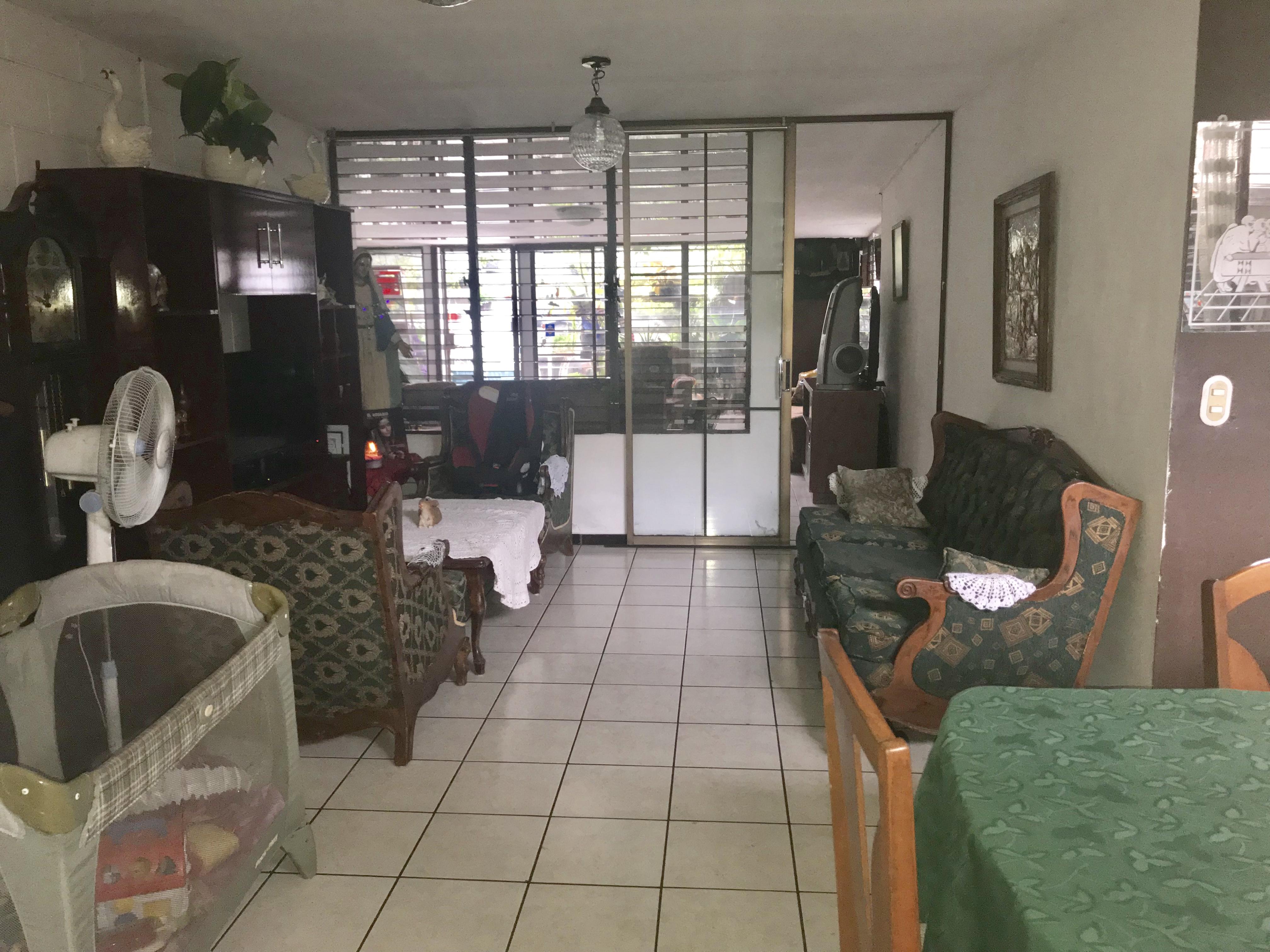 MIA0106 Casa en Venta en Privado Colonia Miramonte sala
