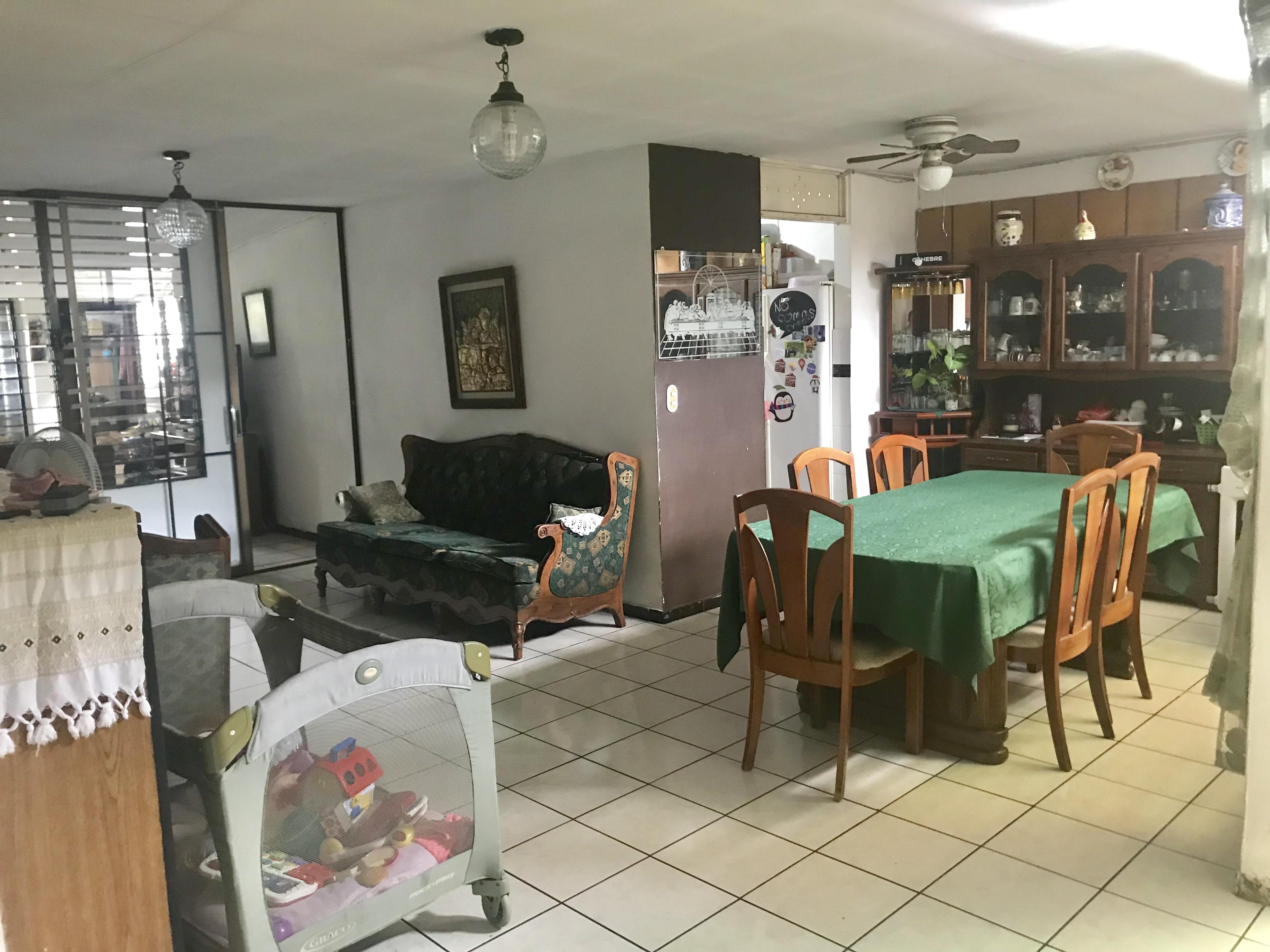 MIA0106 Casa en Venta en Privado Colonia Miramonte comedor sala