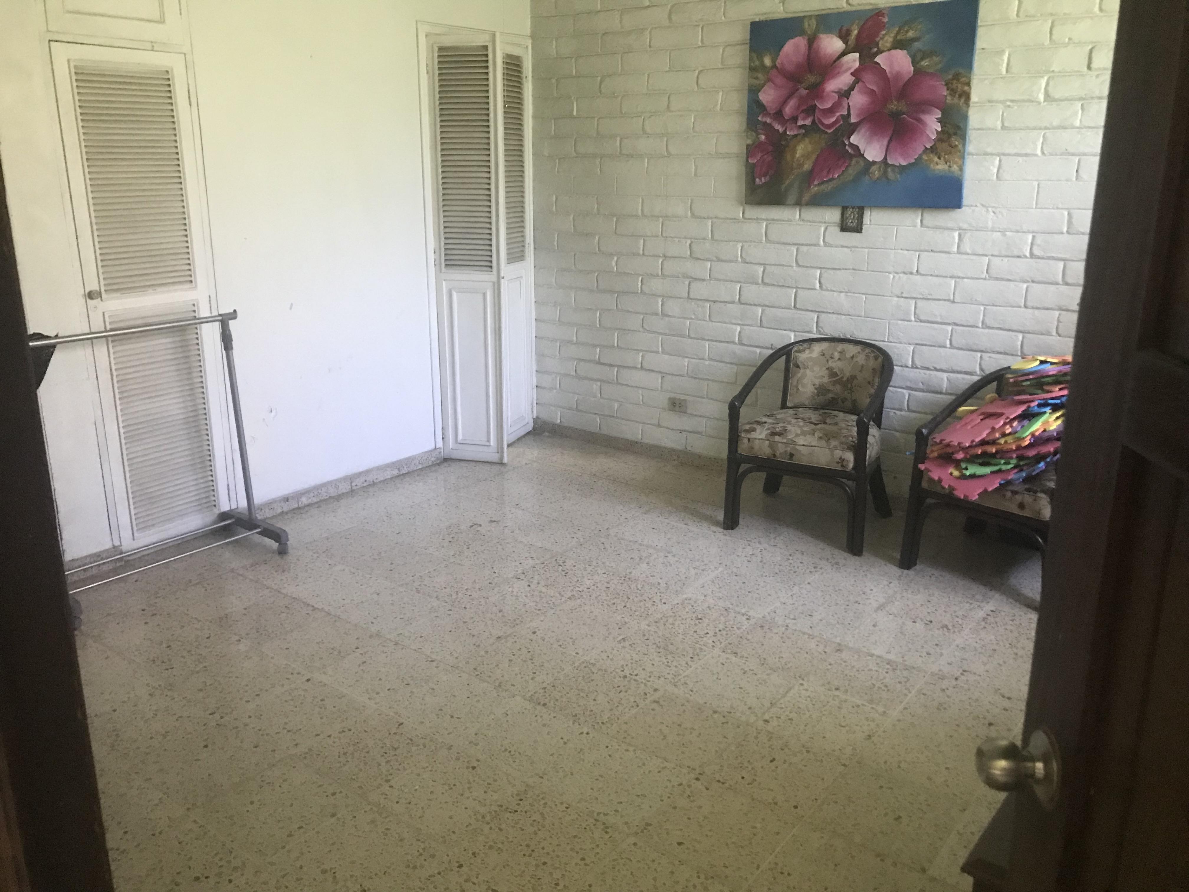 ESA0132_Casa_en_Venta_Sobre_Calle_El_Mir
