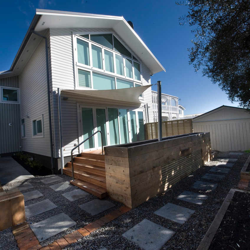 Parnell new home outside