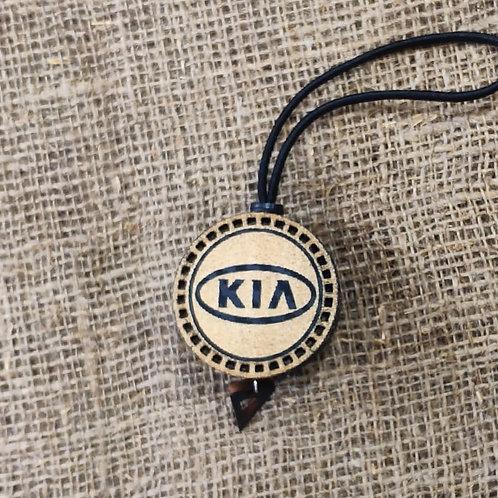 Арома диск с логотипом Kia со вставкой из дерева