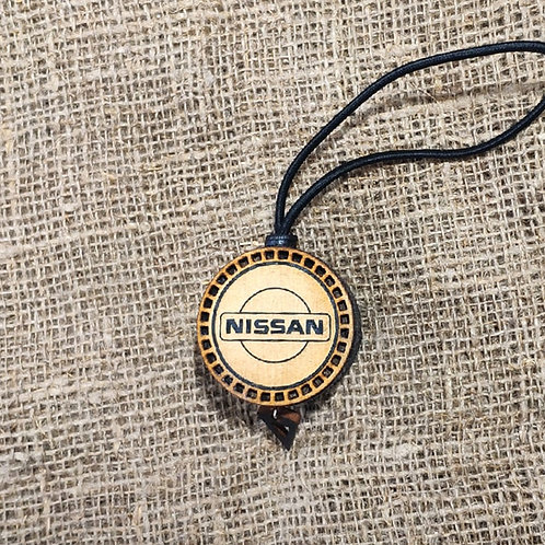 Арома диск с логотипом Nissan со вставкой из дерева