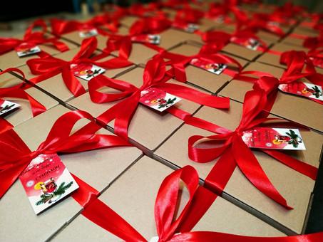 chrismas-gift-boxes.jpg