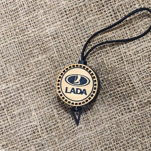 Арома диск с логотипом Lada со вставкой из дерева